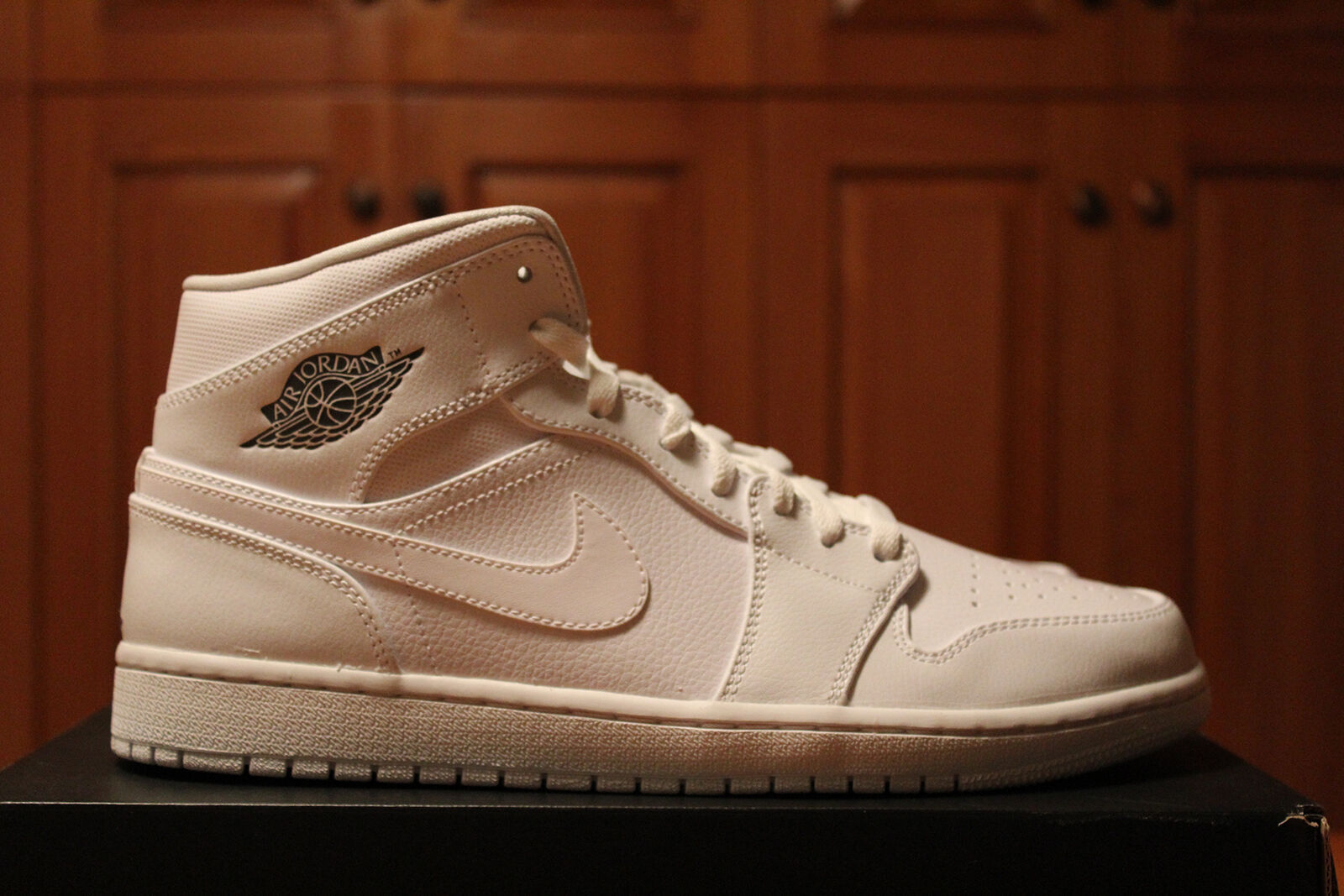Air Jordan 1 Mid White/white Nike Flight Kith Basketball Shoes US shoe 12 Comfortable and good-looking