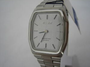 NOS-NEW-TISSOT-SWISS-QUARTZ-STEEL-WATCH-1980-039-S
