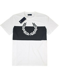 Fred-Perry-T-Shirt-Laurel-Wreath-Print-M4546-100-Weiss-Navy-Lorbeerkranz-7401