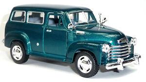 1950-Chevrolet-Suburban-Carryall-Sammlermodell-12-2-cm-gruen-metallic-KINSMART