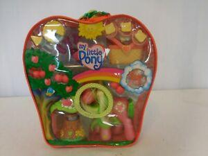 My-Little-Pony-Picnic-Celebration-backpack-with-Applejack-NIB-G3-Hasbro