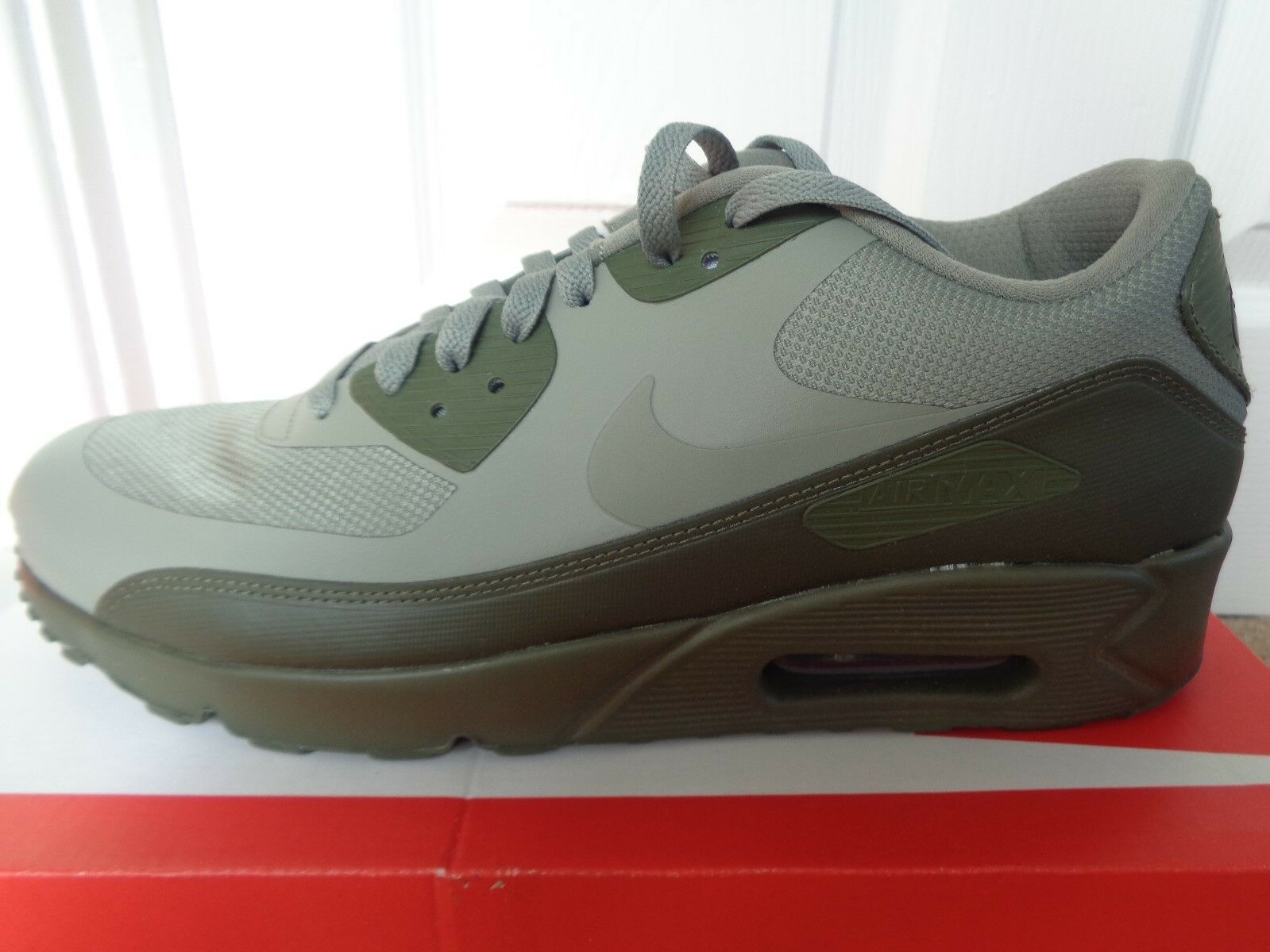 Nike Air Max 90 Ultra 2.0 Trainer 875695 Essential 013 EU 44.5 US 10.5