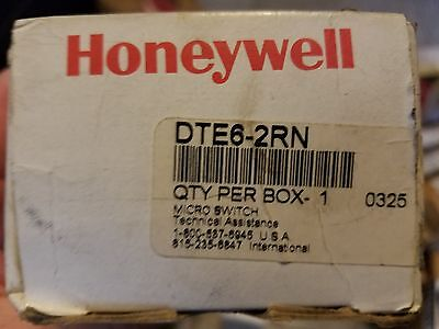 Honeywell DTE6-2RN80 MicroSwitch Limit Switch Roller NEW