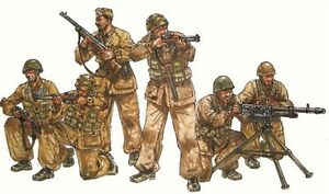 Italeri-1-35-Italian-Paratroopers-Combat-Group-Figures-6-Model-Kit-6492