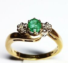 Stunning Emerald and Diamond trilogy ring 9ct yellow Gold Ring Size M hallmarked