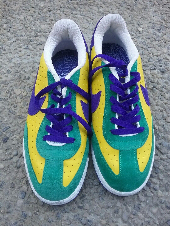 Vintage 2004 Nike Brazil CBF World Cup Soccer Style Sneakers (Men's Size 10)