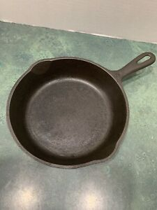 Vintage-No-5-Unmarked-Wagner-Cast-Iron-Skillet-Cleaned-Not-Seasoned