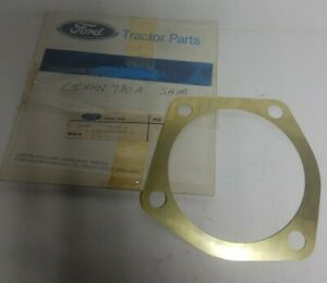 Ford-New-Holland-1801949-C5NNN780A-shaft-bearing-shim