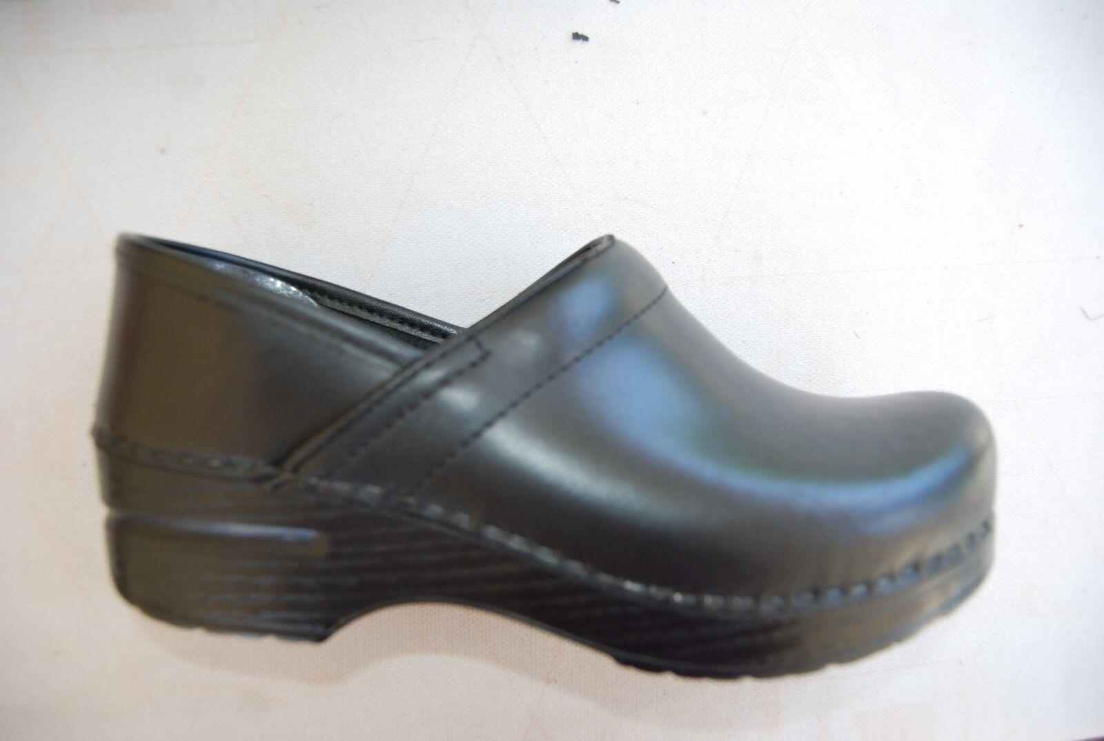 prezzo ragionevole nero Leather DANSKO Stapled CLogs CLogs CLogs EU 37 US 6.5 - 7  grande sconto