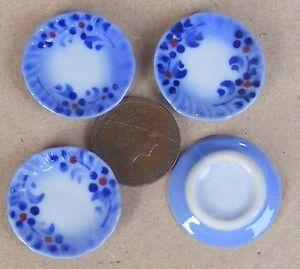1-12-Scale-4-Blue-amp-White-Ceramic-Plates-2-5cm-Tumdee-Dolls-House-Accessory-B11