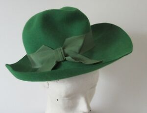 1970-039-s-Imported-Fur-Felt-Green-Hat-with-Grosgrain-Ribbon