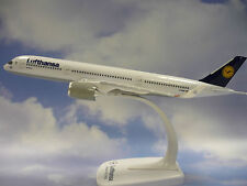 Limox Wings snap fit 1:250 airbus a350-900 lufthansa lx025 + Herpa Wings catálogo