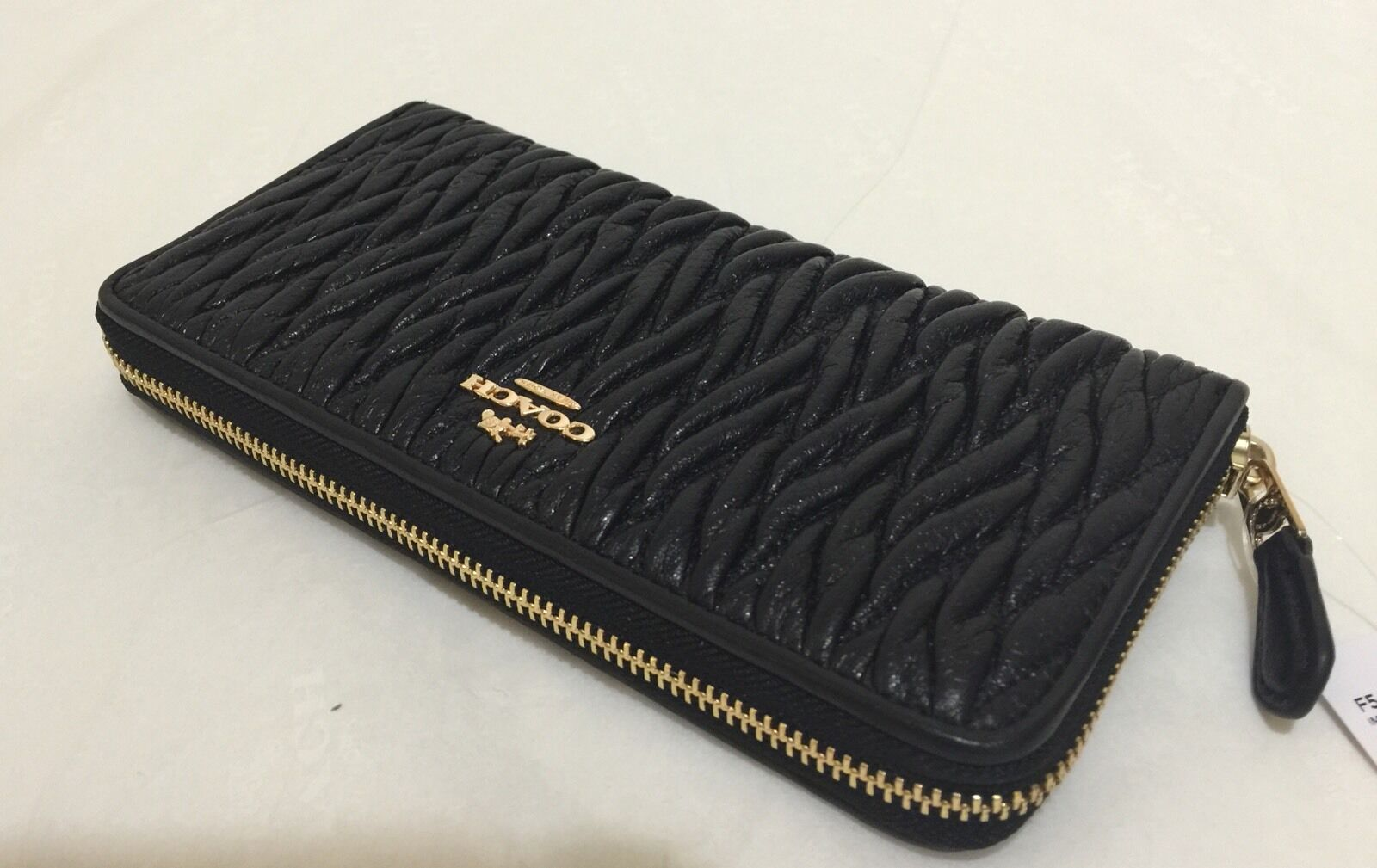 uk availability 15901 0cb61 Coach F54003 Twisted Gathered Leather Accordion Zip Wallet Black