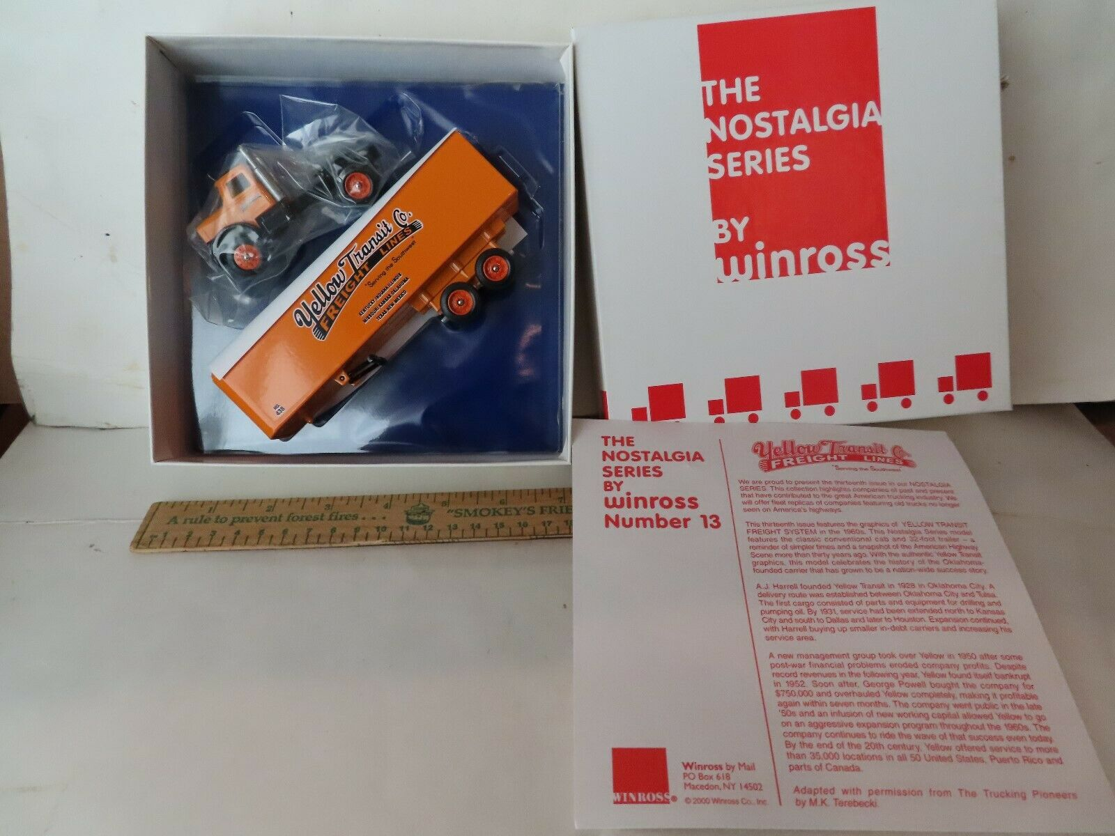 Winross Nostalgia Series Yellow Transit Co Fright Lines-NEW