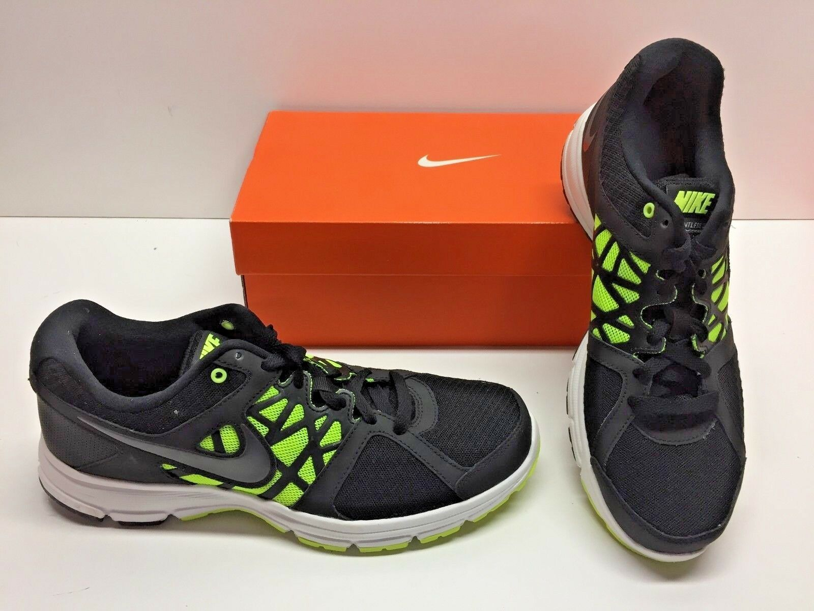Nike Training Relentless esecuzione 2 In esecuzione Relentless Cross Training Nike Nero verde   aa82fd
