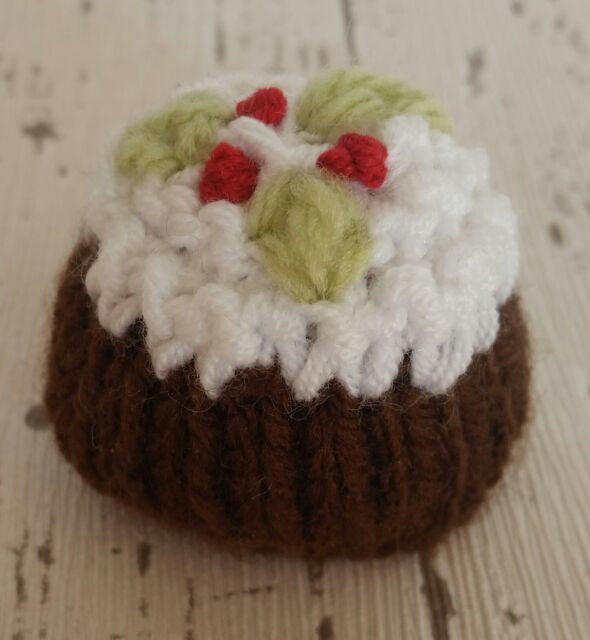 WOOL CHRISTMAS CRACKER COVER FOR 2 FERRERO ROCHER CHOCOLATES  KNITTING PATTERN
