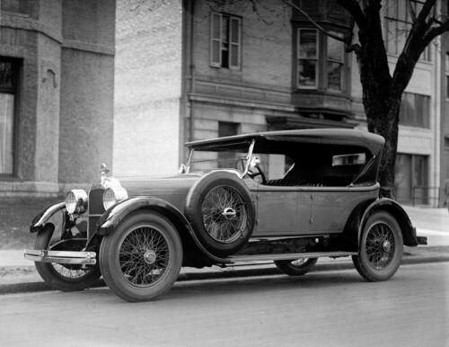 """1923 Dusenberg Automobile// Car Vintage Photograph  8.5/"""" x 11/"""" Reproduction"""