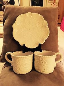 Vintage-Tracy-Porter-Embossed-Celia-Mint-Green-Scalloped-Dessert-Plate-Mugs-Rare