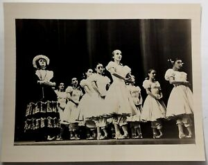 Rare-Original-Photo-BALLET-RUSSE-DE-MONTE-CARLO-Dancers-On-Stage-GRADUATION-BALL