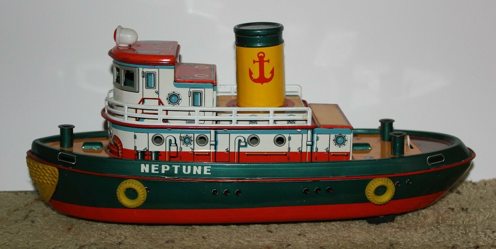 MODERN TOYS 1960s Battery Operated  Neptune  Tug boat, everythinh Works  NMNT