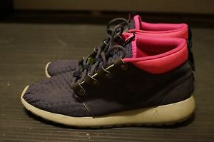 5a54cb3fd6cf Image is loading Mens-Nike-Roshe-Run-Sneakerboot-Gridiron-Dark-Obsidian-