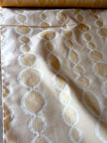 """58/"""" WIDE 33M AVAILABLE VINTAGE  SEMI SHEER GOLD CHAIN PATTERN CURTAIN FABRIC"""