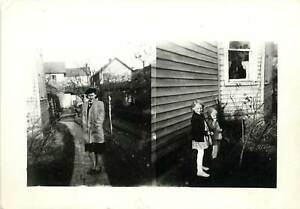 WOMAN-CHILDREN-SIDE-OF-HOUSE-Old-Photo-B-amp-W-Photo-2x3