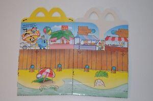 0095-McDonald-039-s-Happy-Meal-Box-empty-Animaniacs-Beach-Scene-1995-McDonalds