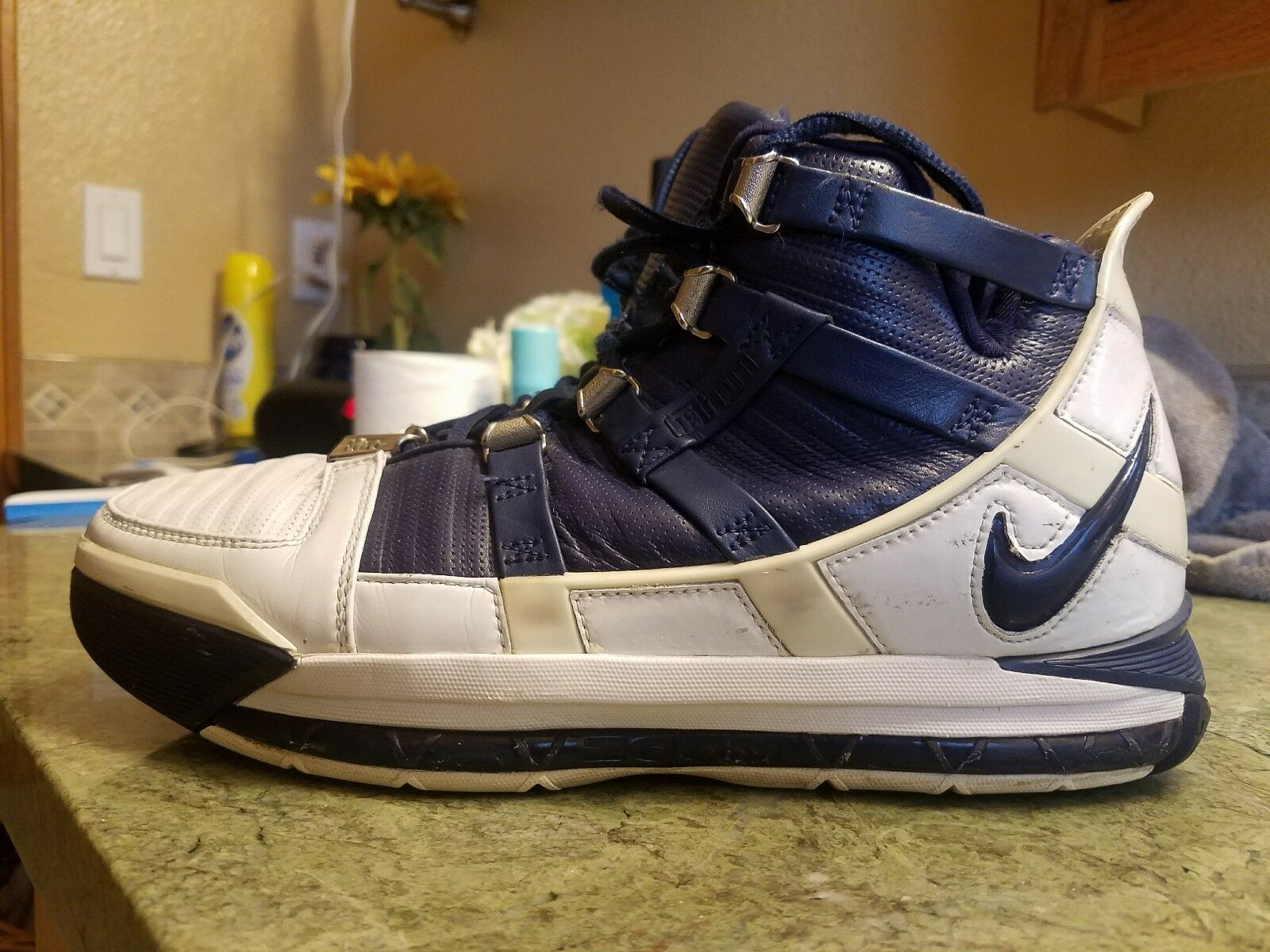 USED MENS NIKE ZOOM Lebron III 3 WHITE MIDNIGHT 2005 EDITION 312147 141 Size 8