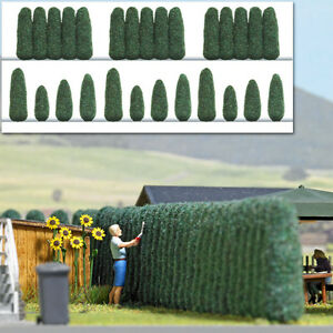 Javis JHEDGELARGE 3 x 15mm High x 4ft Flexible Hedge Green 00 Gauge 2nd Cl Post