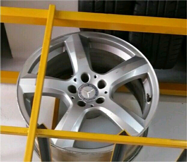 Original AMG E500 Mag Rims in great condition  on Sale