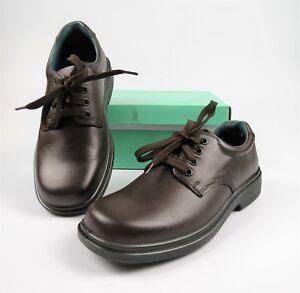 ae188fb4acc3 Clarks Daytona YTH INJ BROWN School Shoes Boys Girls Lace Up ...