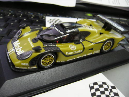 Porsche 911 gt1 test version racing étais une Le Mans Minichamps 1 43