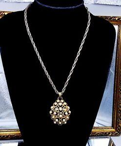 Vintage-Trifari-necklace-pendant
