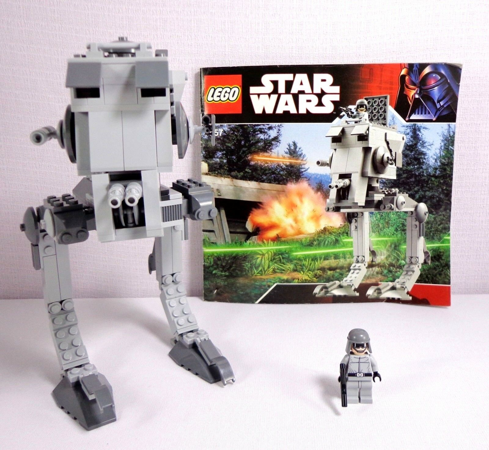 Lego Star Wars 7657 AT-ST Episode IV - VI Ep 4 5 6 Imperial Pilot Minifig
