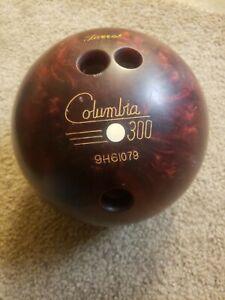 Vintage-Columbia-300-Bowling-Ball-White-Dot-Red-Swirl-B002