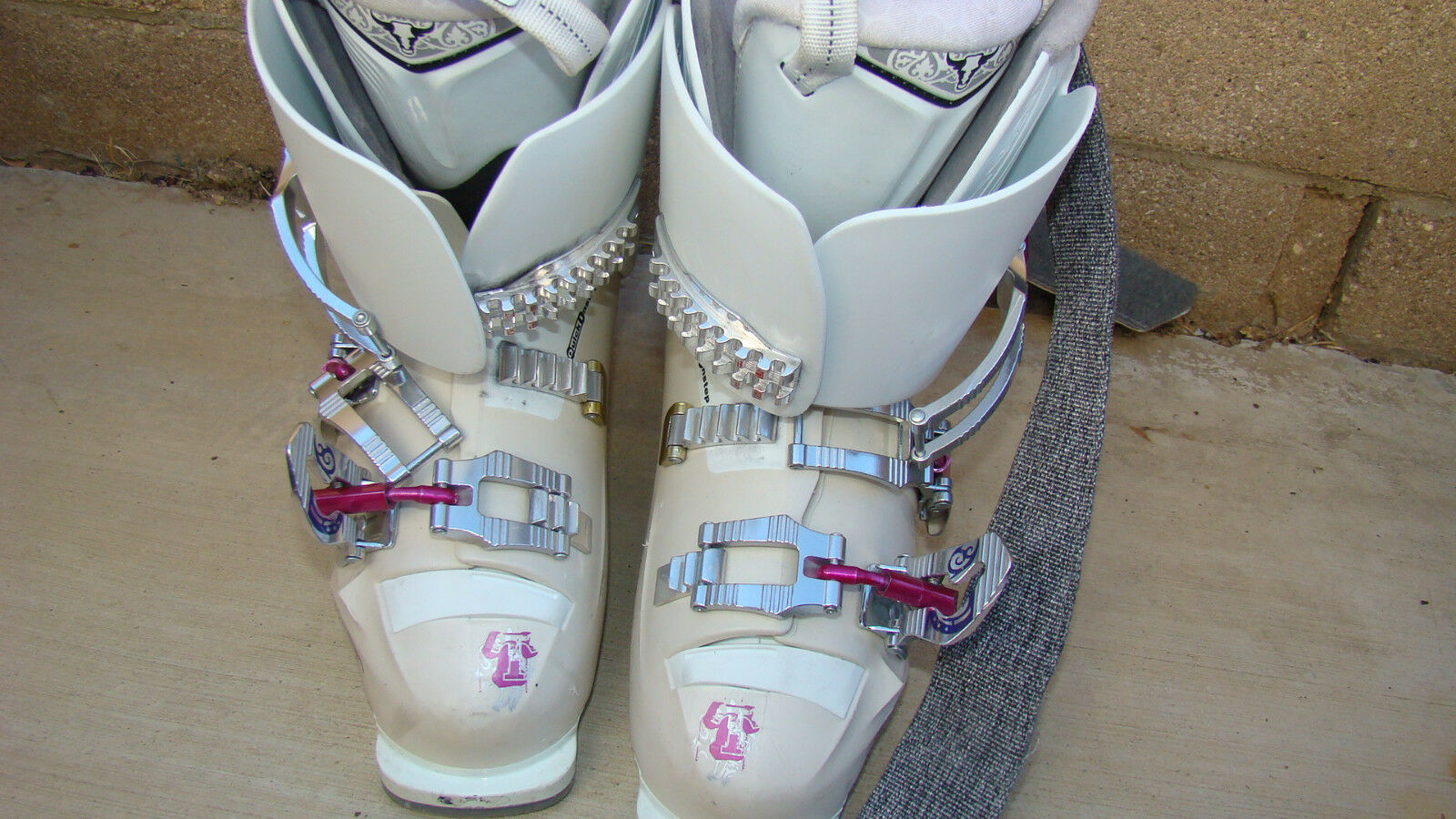 Women's Tecnica Viva Crossfire Ski Boots  22 23.50  280 mm Made in Hungary