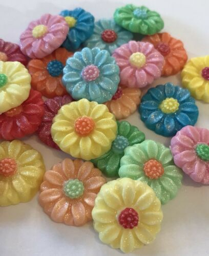 24 EDIBLE SUGARPASTE ICING DAISIES FLOWERS MOTHERS DAY BIRTHDAY CAKE TOPPERS