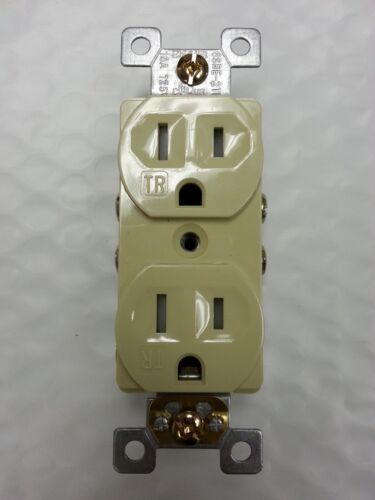 15A Standard Duplex Receptacle 15 Amp Ivory Tamper Resistant TR NEW CODE 20 pc