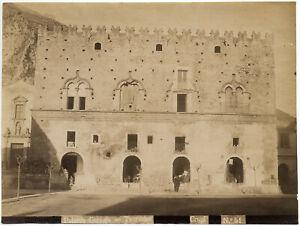 Taormina Palazzo Corvaja con botteghe Foto originale albumina Crupi 1890c L811