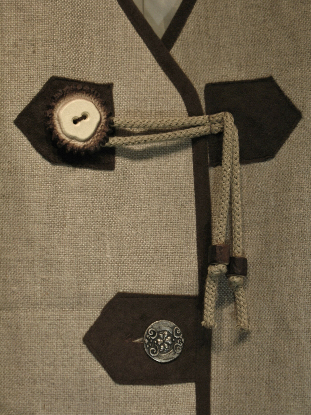 Fast NEU Leinen Baumwolle Baumwolle Baumwolle TRACHTEN MODE Landhaus Gilet Trachtenweste Tunika TOP | Neueste Technologie  | Ausgezeichnete Leistung  | Vorzüglich  5fe308