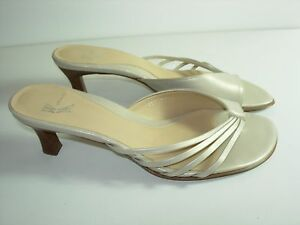 WOMENS-CHAMPAGNE-GOLD-TAN-LEATHER-FLIP-FLOPS-THONGS-SANDALS-HEELS-SHOES-SIZE-7-M