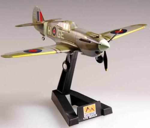 P-40B//C Warhawk RAF 1943 West Afrika Fertigmodell 1:72 Standfuß NEU Easy Model