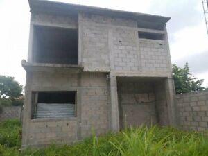 Se vende Terreno con Construcción en Obra Negra