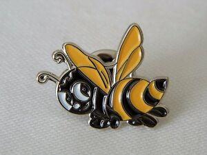 Bumble-Bee-Honeycomb-Metal-Enamel-Lapel-Pin-Badge-Brooch