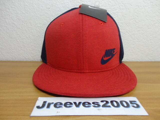 61b0ed55798 NWT Nike Tech Fleece True Snapback Hat 100% Authentic NSW Red 739418 672