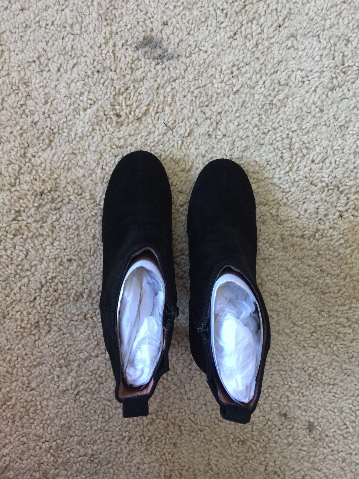 Jeffrey Campbell women's black velvet suede Chapel Curved Heel Bootie sz 8.5170