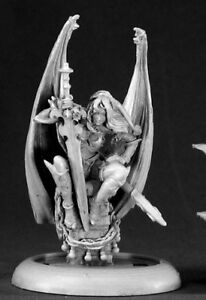 Reaper-Miniatures-2008-Christmas-Sophie-01423-Special-Edition-Unpainted-Figure