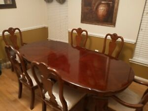 Dining Room Table And 6 Chairs Barely Used Good Condition 500 Ebay