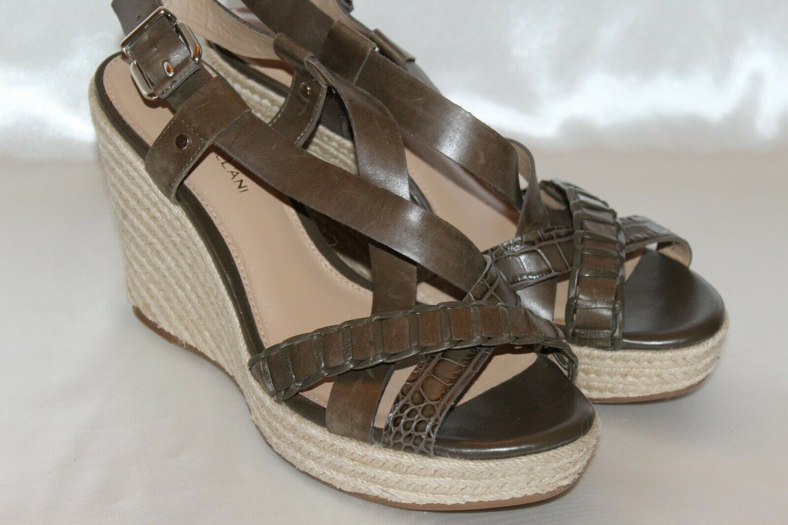 NEW  ANTONIO MELANI Olive Green Leather Open Toe Wedge Platform Sandal Sz 9.5